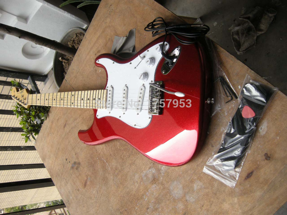 Factory custom shop 2017 Newest ST Deluxe Electric Gutiars,Candy Apple Red Electric Guitar 7 6 stratocaster