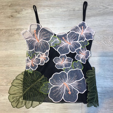 Blaranchi High Quality Catwalk Designer 2018 Summer Sexy Cropped Top Spaghetti Strap 3D Floral Women Appliques T-shirts Camis Tops