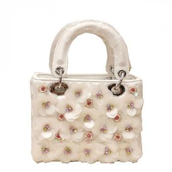 New Designer Women's Hand Bag 2018 Handmade Flowers White Handbags Fashion Shoulder Bag Small Messenger Bags For Female