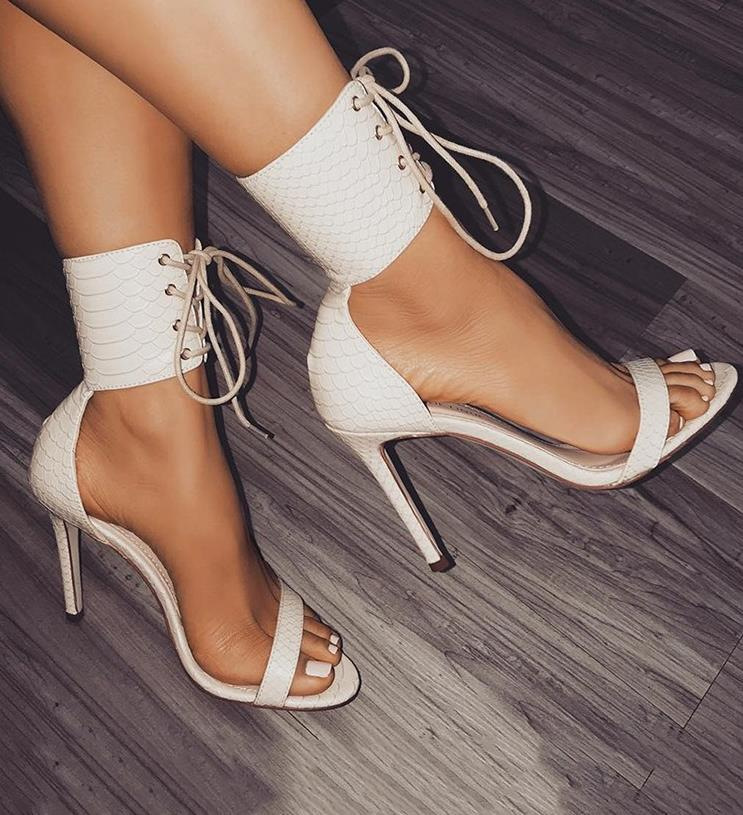 European and American big names with the same type of sandals snake leather pattern high heels female open toed tie female shoes