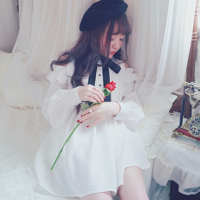 Princess sweet lolita shirt Bobon21 wear a different surprise small Strapless Lace pleated long shirt tie