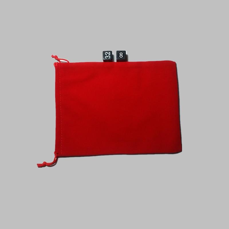 Gratis frakt Ny toppklass 5 STÄLT sammetpåse storlek 15 cm * 10 cm röd färg Förvaringsväska för tärningar och tillbehör till spel
