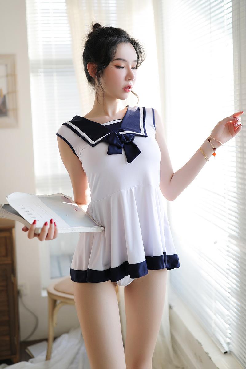 in Japanese lingerie girls