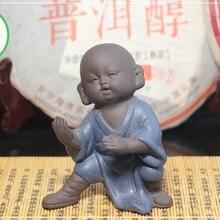 """Чайная фигурка для набора Кунг Фу Ча Маленький монах практикует упражнение """"Успокаивать волну""""(синяя одежда) чайная фигура"""