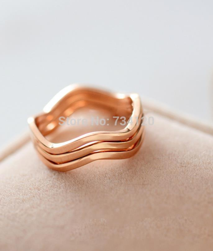 Free shipping hot new mix wholesale 16MM brief elegant lovers ring the joint pinky ring titanium ring gold color ring women