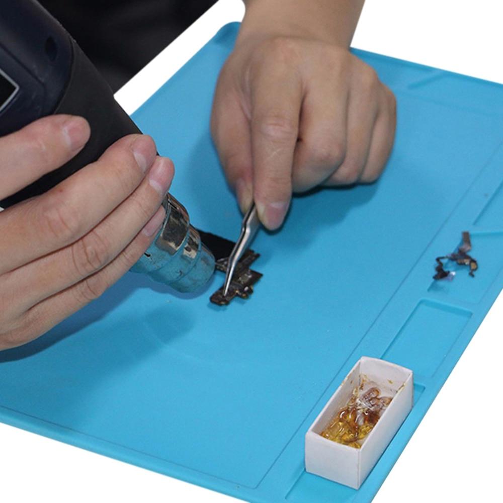 Купить с кэшбэком Magnetic Antistatic Mat Silicone Repair Mobile Phone Insulation Heating Cell Phone Maintenance Platform 34 x 23cm