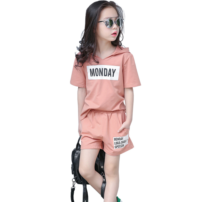 2018 New Summer Girls Clothing Sets Short Sleeved Casual Letter Printing Hooded T Shirt Shorts Two-Piece Set Kids Sports Suits two tone letter print t shirt