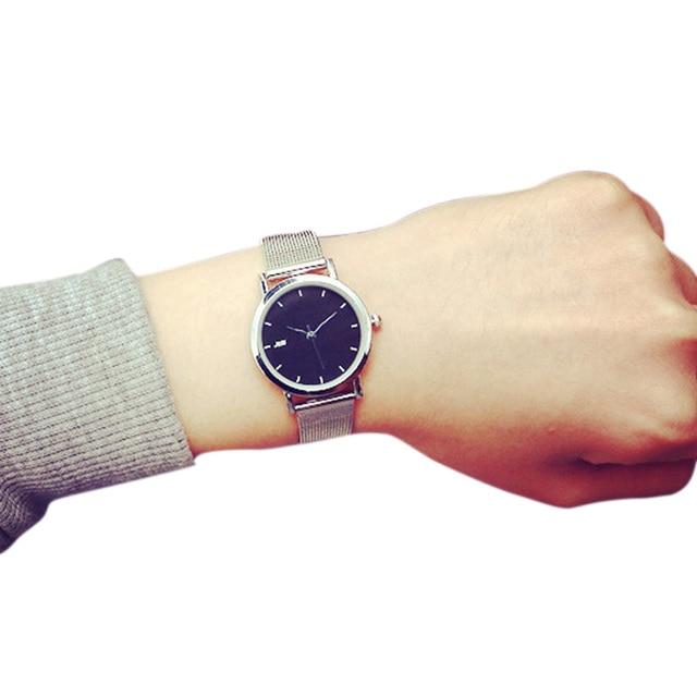 Fashion Korean Women Wristwatch Alloy Strap Circular Dial Clock Quartz Watch Cla