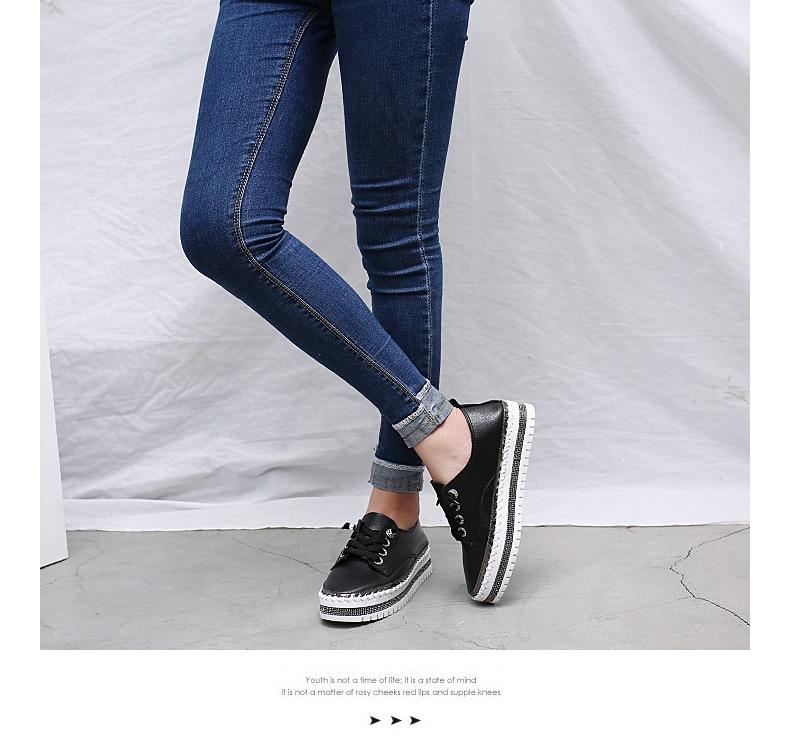 na plataforma sapatos de couro macio das