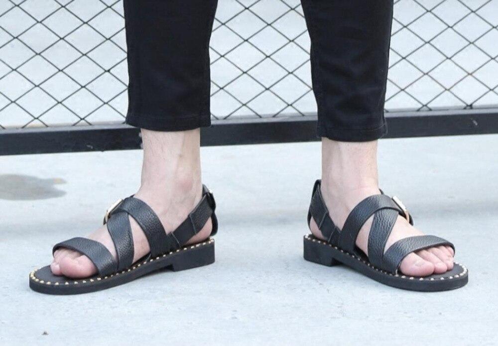 Mens Gladiador Sapatos Verão 1 Couro strap Studs Sandalias Moda Fresco Flats Sandálias Cross Genuíno 2018 Praia Tq5t4B