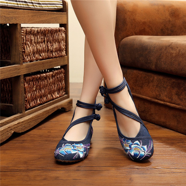 Fashion Spring Women's Shoes Chinese Casual Flats For Women Flower Embroidered Mary Janes Cloth Walking Shoes Blue Plus Size 41