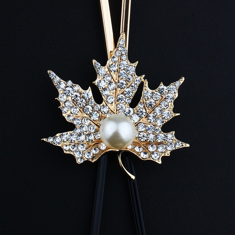 long-black-and-gold-or-silver-necklace-with-maple-leaf-pendant-4