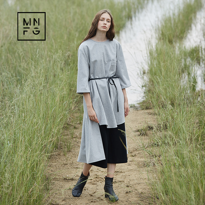 MNFG by Amii 2018 autumn wool round neck short Dress