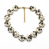Wholesale Necklace Acrylic Glass Zinc Alloy Black And White Flower Shape Women Elegant Opaque Party Trendy