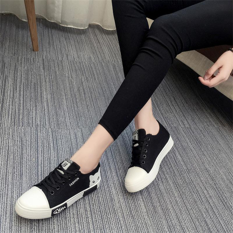 Women Lace-Up Flat Vulcanize Shoes Leisure Female Footwear Breathable Casual Shoes Fashion Ladies White Shoes CLD907 huanqiu white women vulcanize canvas shoes low breathable female solid color flat shoes casual candy colors leisure cloth shoes