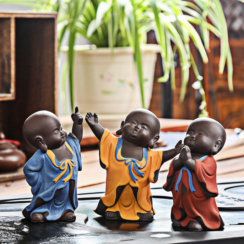 2018 New Arrival Yixing Purple Clay Tea Pet Famous Handwork Raw Ore Zisha Art Monk Decoration Office Desk Crafts Birthday Gifts
