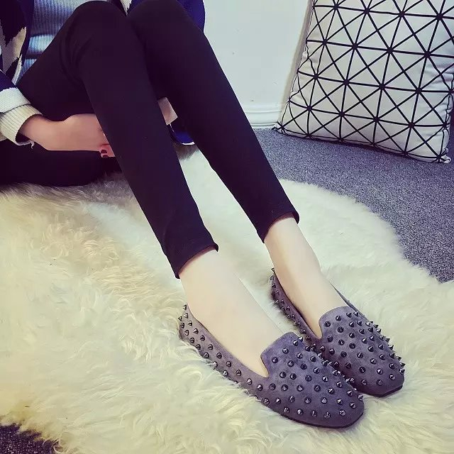 New Europe and the United States comfortable suede personality rivets casual women flat shoes are stovepipe square feet small sh hanlu europe and the united states women s super elastic lace lvkong denim trousers fashion comfortable feet pants