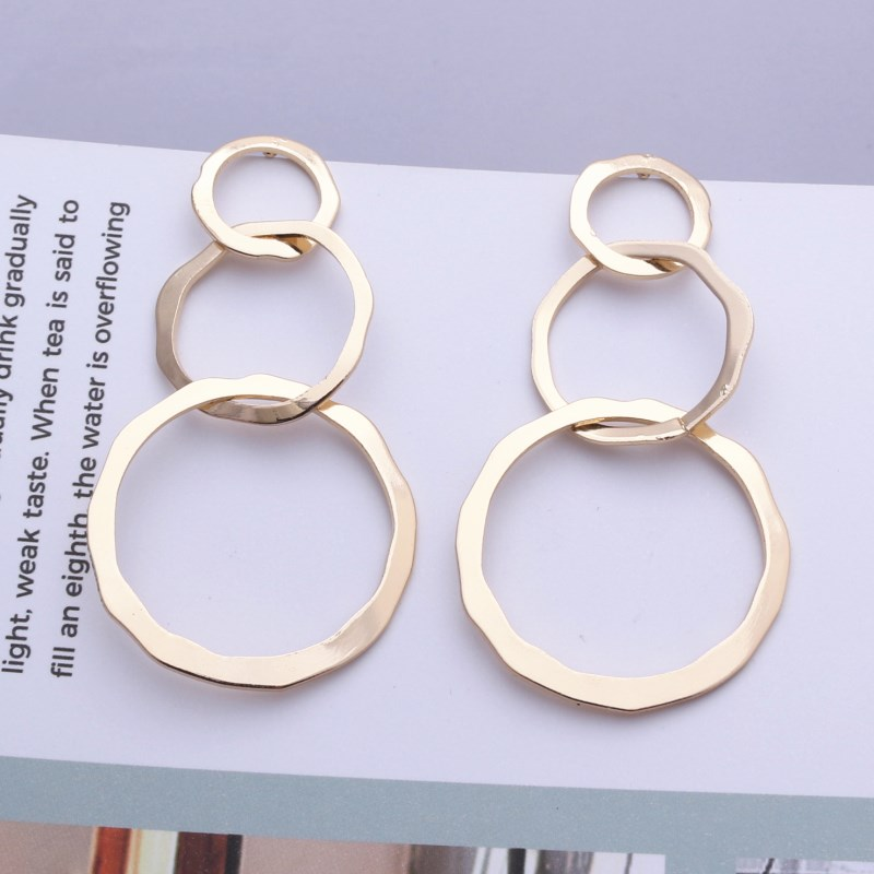 New Fashion Vintage Geometric Round Metal Earrings for Women Glossy Hollow 3 Cirlcles Statement Earrings Party Jewelry