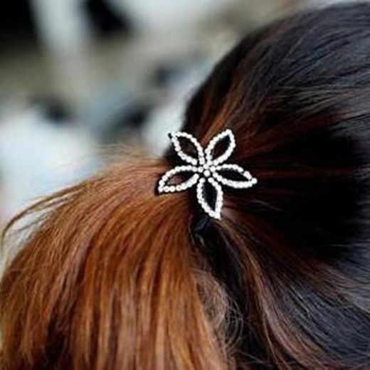 Regalo de fiesta de boda de moda de aleación de cristal en forma de corazón corona de cinco pétalos flor arco elástico pelo cuerda tocado 1 piezas