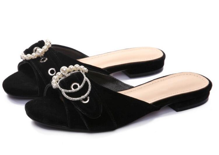 2017 hot selling white pearls beaded flat sandal open toe big buckle woman slipper velvet sexy slides black blue майка print bar сделана в 1972 чтобы быть прекрасной