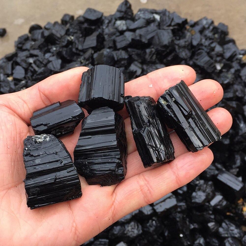 Spécimen de gravier brut de pierres de cristal de Quartz de tourmaline noire naturelle