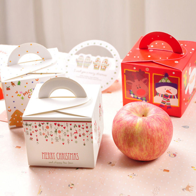 Creative candy box of Christmas gifts on Christmas Eve apple cake ...