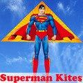 O envio gratuito de alta qualidade Superman brinquedos crianças kitesurf kite com ferramentas vôo ao ar livre poder kitesurf wei pipa fábrica