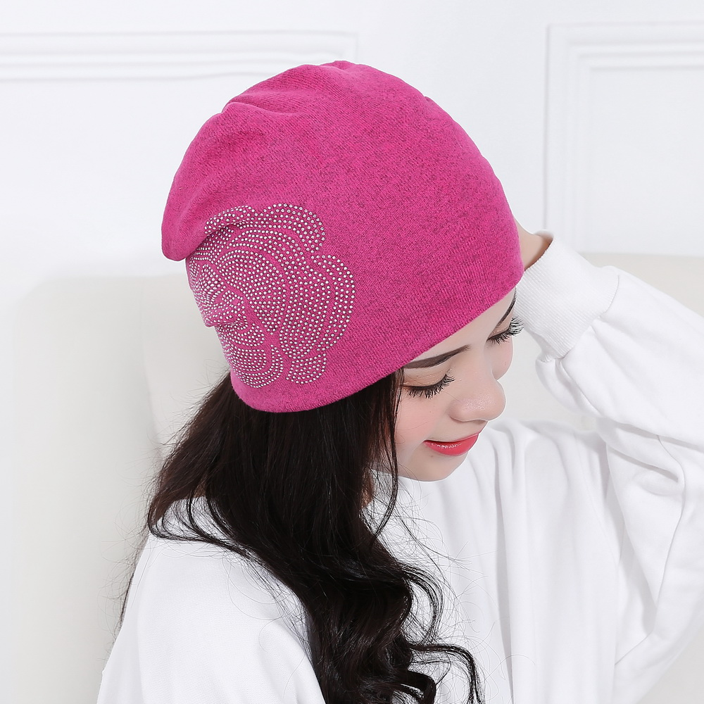 Donne di bellezza rosa floreale berretti di lusso skullies cappello custom  design colorato casual ragazza di marca beanie inverno all aperto cappelli  gorros ... 8e116712ebe2