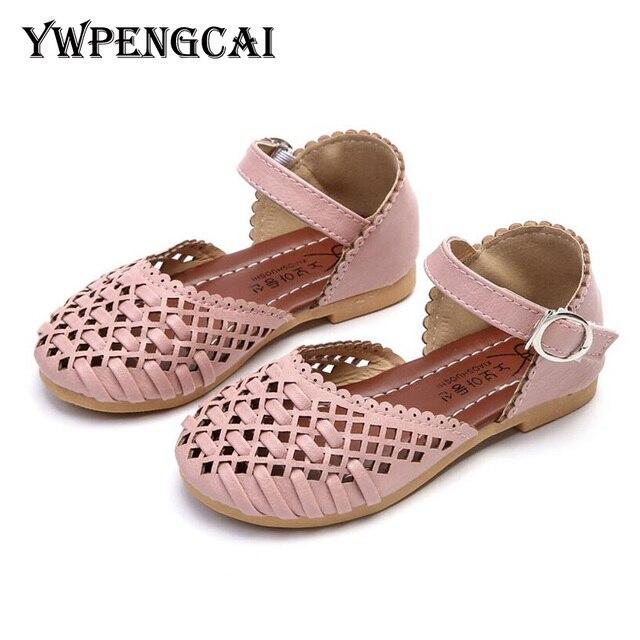 bc9a81dfceaa7 2019 été filles sandales coréen tricoté découpes princesse bébé enfant en  bas âge fille sandales enfants
