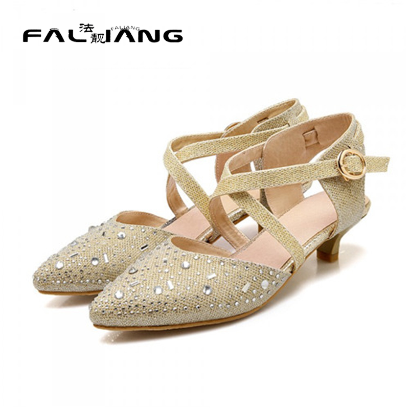 ФОТО NEW 2017 Spring Summer Sexy Lady Rhinestone Bridal Wedding Shoes Woman Poined Toe Stiletto Low Heel Pumps Slingback Gold Silver