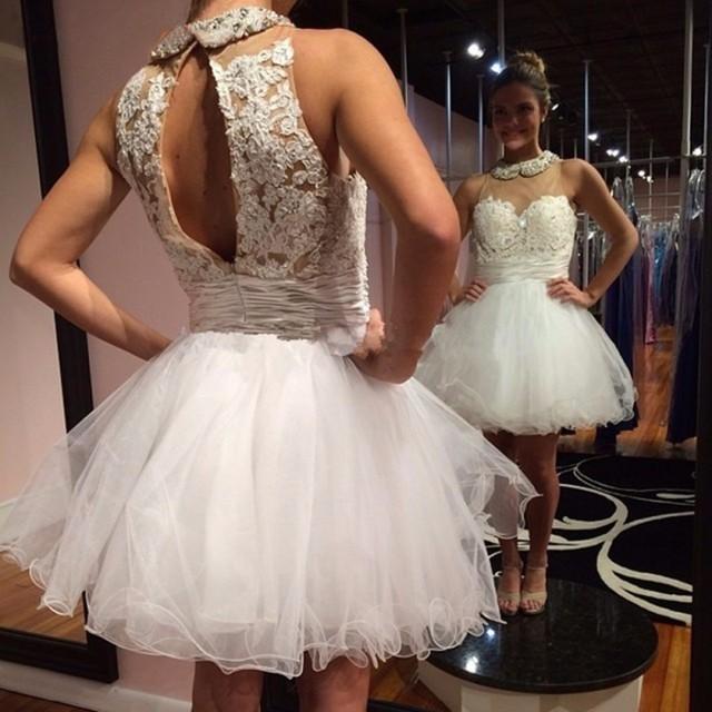 Oitava série Branco Apliques de Renda Frisado Tule Modest Graduação Vestidos Curto Mini Partido Vestidos de Noite do baile de Finalistas do Regresso A Casa