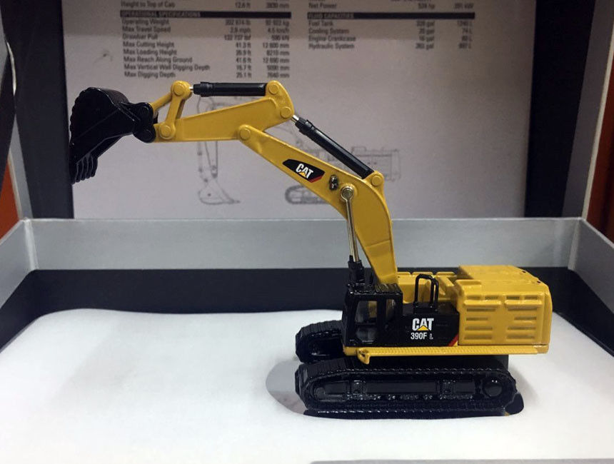 NEW Caterpillar Cat 390F L Hydraulic Excavator Elite 1/125 Scale Metal Model By DieCast Masters 85537