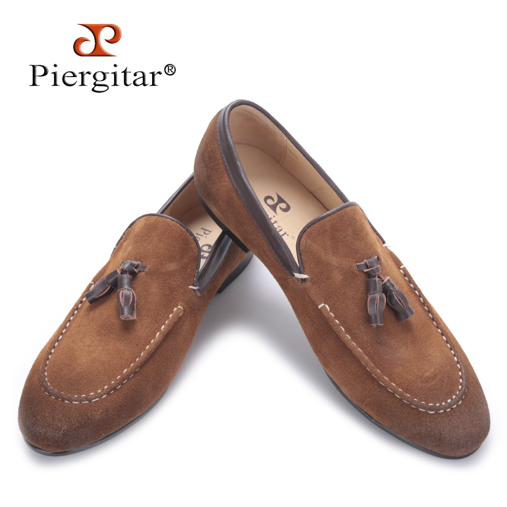 Piergitar 2018 new arrival Black and Brown men suede shoes with leather tassel men handmade casual loafers Fashion male's flats preppy men s suede casual shoes with color block and stitching design