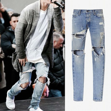 Famous Designer  Slim Fit Ripped Jeans Men Hi-Street Distressed Denim Joggers Knee Holes Washed Destroyed Jeans new brand designer knee ripped biker jeans men distressed moto denim joggers washed pleated leg yellow line decorate jeans pants
