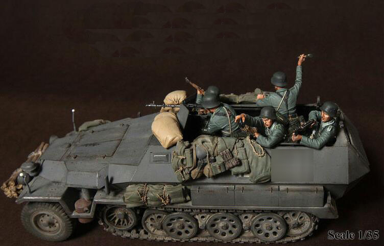 1/35 Resin Kits WWII German Panzergrenadiers In Battle 5pcs/set Figures (no Tank,no Other Items)
