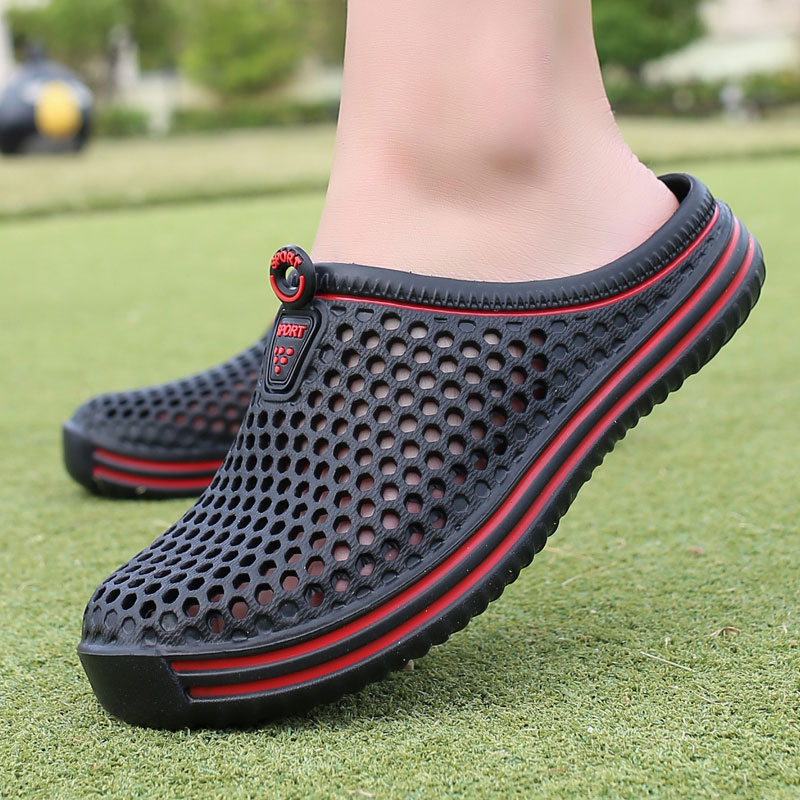Men's Summer Shoes Sandals 2018 New Breathable Men Slippers Mesh Lighted Casual Shoes Outdoor Slipper On Shoes Beach Flip Flops