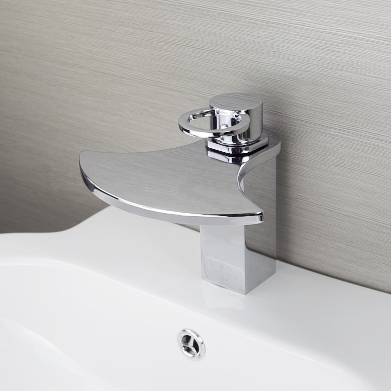 Bathroom Bathtub Luxury Design Single Handle Deck Mounted Chrome Finish Basin Brass Body Mixer Taps Vanity Waterfall Faucet deck mounted bathroom waterfall bathtub sink faucet widespread brass basin mixer taps chrome finish