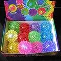 Divertidas Bolas Brinquedos Flashing Light Up Spikey Alta Bouncing Balls Novidade Sensorial Hedgehog Bola Cor Aleatória