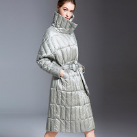 States women's lightweight, down jacket, long, thick and loose 2018 new fashionable white eiderdown women's coat.