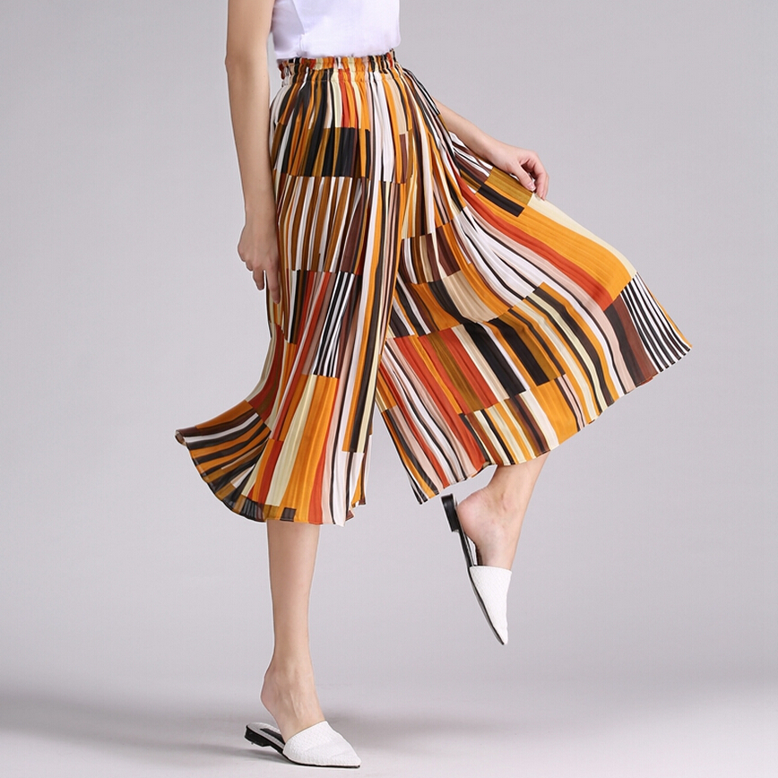 Popular  Miyake Womens Black Pleated Solid Earth Skirt  Clothing Style