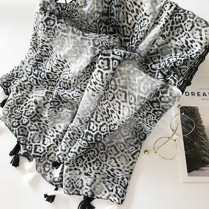Women hijab scarf 2018 female autumn spring Spain style hippie long black print scarves  ...