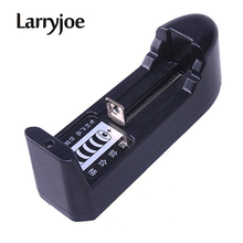 Larryjoe caricabatterie universale 18650 di vendita caldo ue/usa per batteria ricaricabile agli ioni di litio 3.7V 18650 16340 14500 di alta qualità