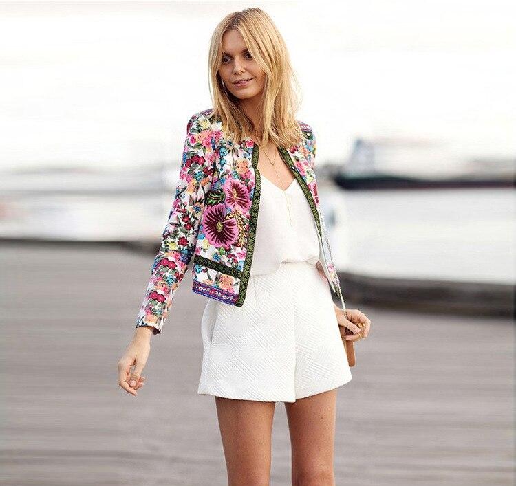 2015 otoño nueva llegada mujeres chaqueta de manga larga chaqueta de punto  estampado de flores Mujer escudo Chaquetas Mujer chaqueta de otoño 1255 en  ... 2d9bd1ca6fa1