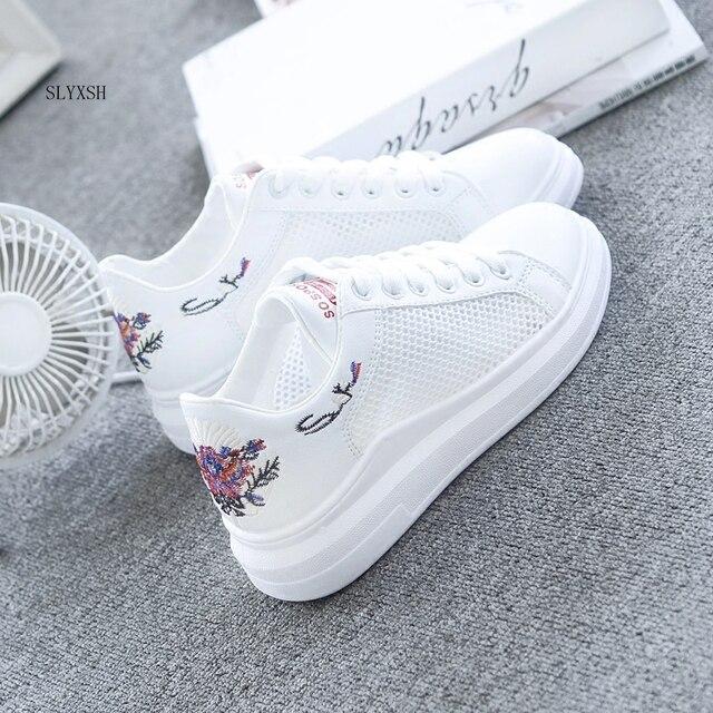 SLYXSH Kadın rahat ayakkabılar Yaz Bahar Kadın Ayakkabı Moda Işlemeli Nefes Hollow Dantel-up Ayakkabı Kadın ayakkabı