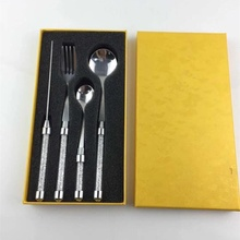 New hot sales stainless steel tablewares crystal wedding cake knife fork dinnerware set flatware gifts for home and party use