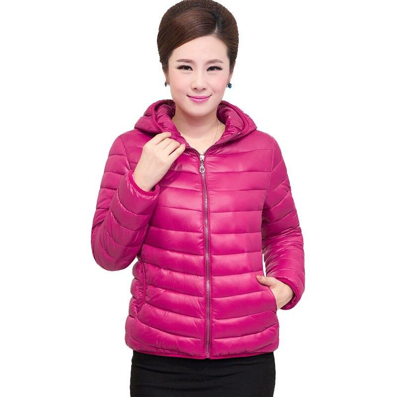 2017 mère court manteau blanc canard doudoune hiver femmes bas vêtements d'extérieur à capuche grande taille poche ultra léger bas haut QH1016