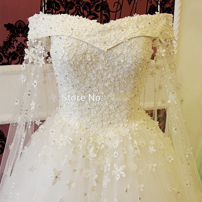 Romantic Boat Neck Ball Gown Wedding Dress 2017 Bridal Gowns Beading Crystal Lace Flowers Long White