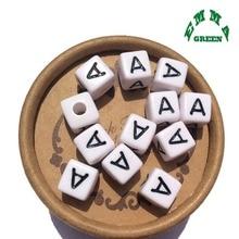 חרוזים תכשיטי ביצוע מכתב חרוזים 10mm 550pcs A Z נפרד אלפבית חרוזים לבן חרוזים כיכר חרוזים לילדים אקריליק חרוזים