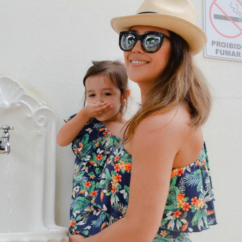 Family Look Matching Mother And Daughter Dresses Shoulder off Sleeve Beach Mommy And Me Clothes Swimsuits Outifits Mom Kids Girl (13)
