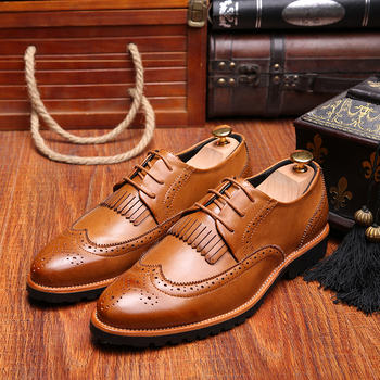 Brockden Carved Men Spring Autumn Business Casual Shoes British Style Lacing Pointed Toe Fashion Tassel Male Oxfords Shoes